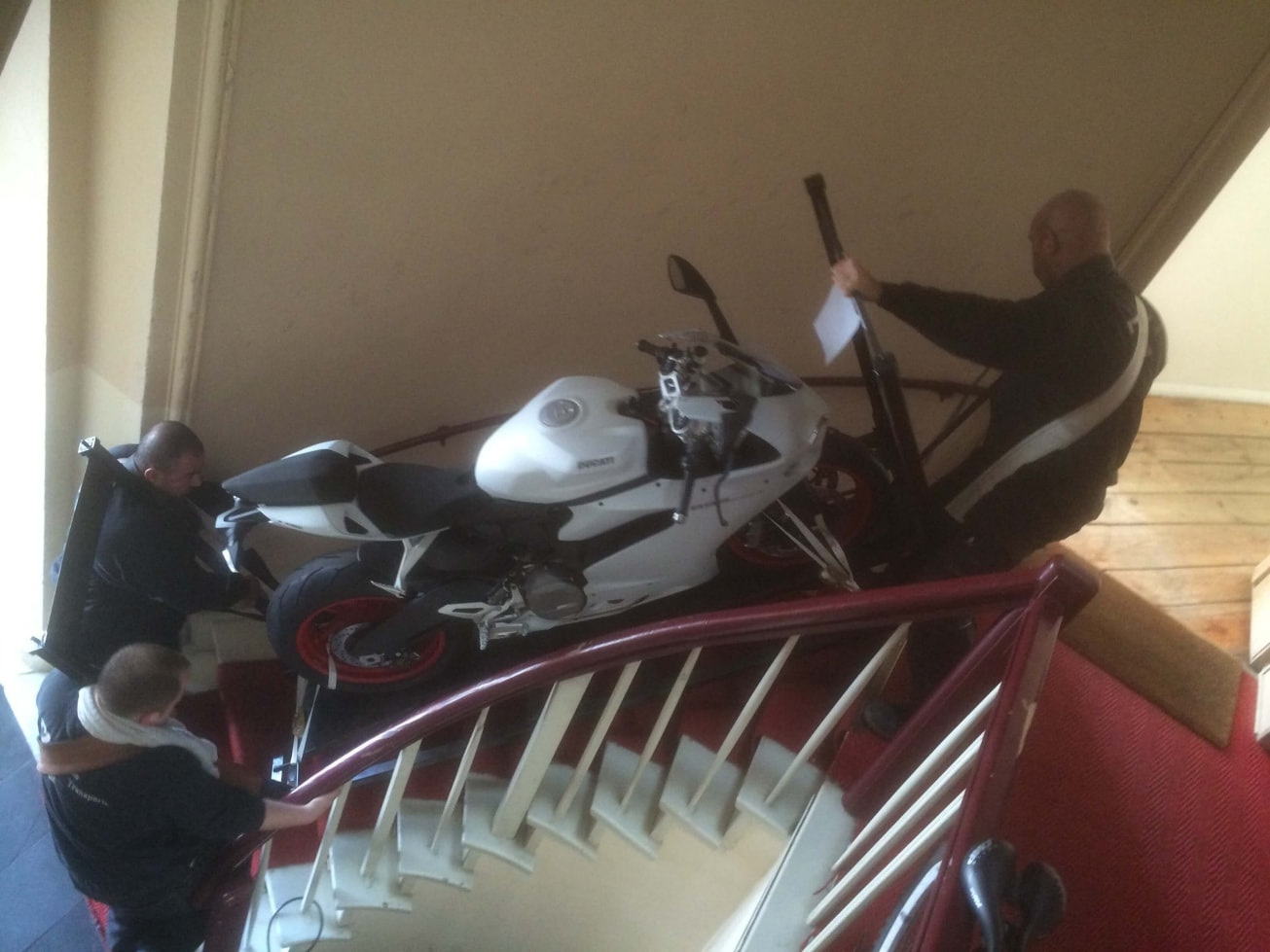 Ducati   Motorradtransporte - ZK Piano Transporte