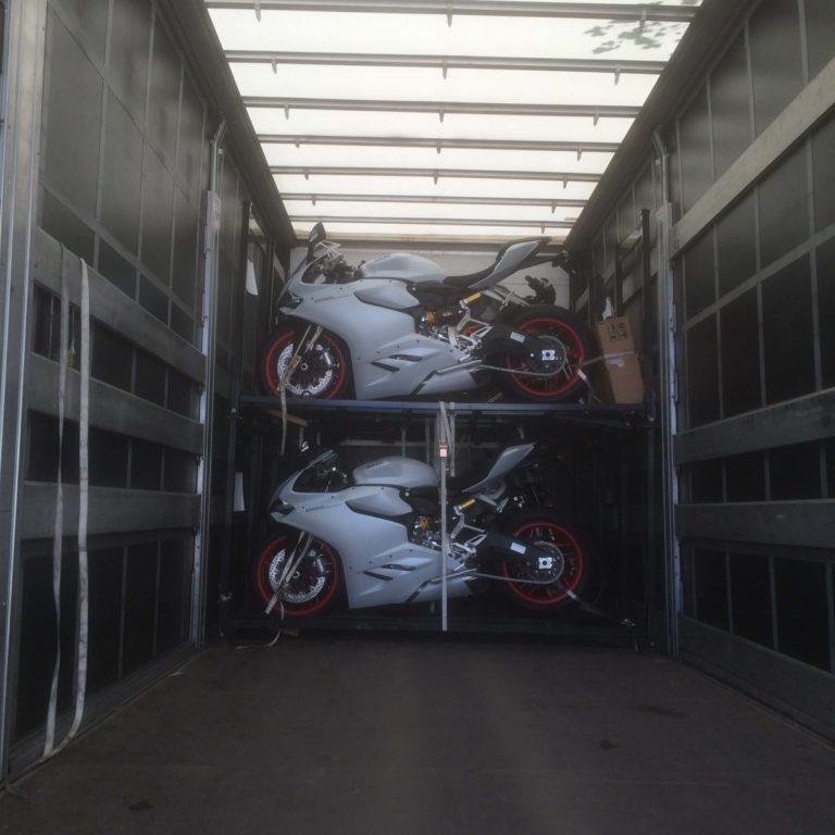 Motorradtransporte in Berlin - Ducatis werden sicher gesichert
