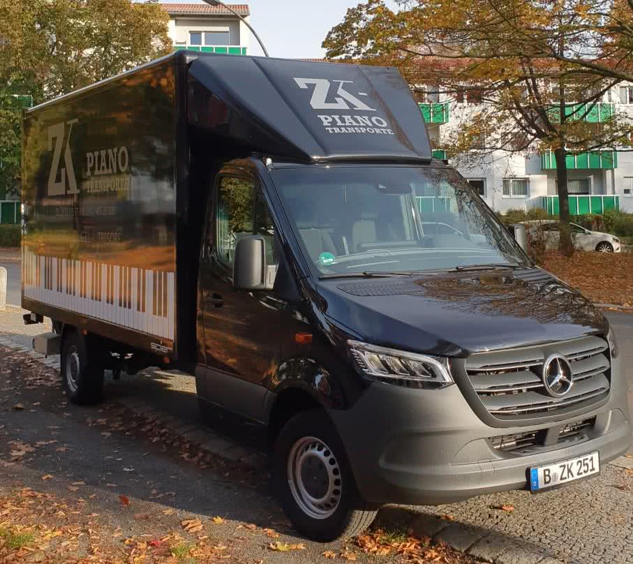 Neuer Firmen Fahrzeug - Klaviertransport