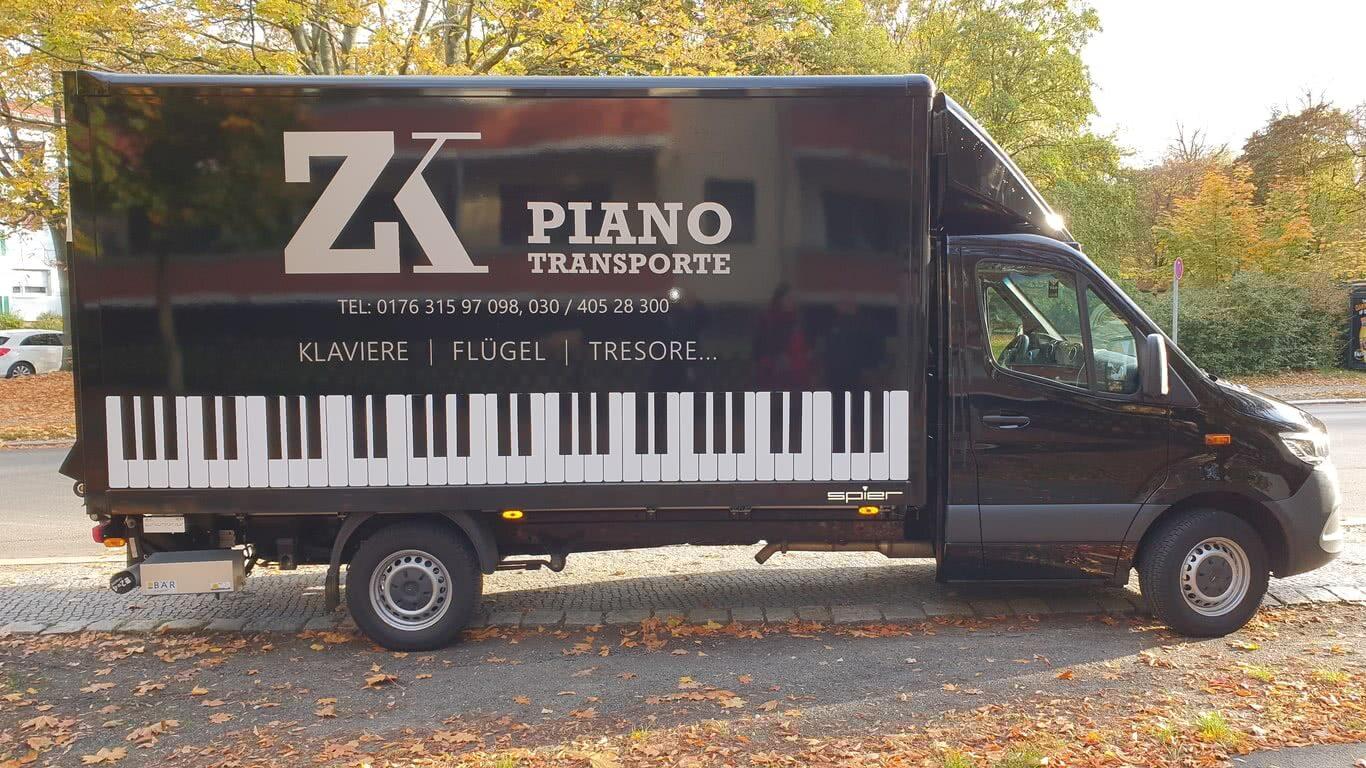 Klaviertransporte Berlin & Flügeltransporte, sowie Tresortransporte - Fahrzeug der Spedition ZK Piano Transporte